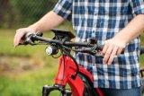 Kleine Lampe, große Wirkung: An E-Bikes darf die Beleuchtung heute auch durch den Akku des Motors mit Strom versorgt werden. So lässt sich mithilfe der LED-Technik ein zuverlässiges, gleichmäßiges Fahr- und Standlicht erzeugen.