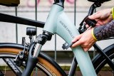 Ein feines Bike benötigt ein gutes Schloss. Und das sollte lang genug sein, damit das Rad immer einen Ankerplatz findet.