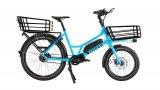 Bei diesem elektrisch unterstützten Lastrad sorgt das kleine Vorderrad für einen niedrigen Schwerpunkt und knappe Abessungen.