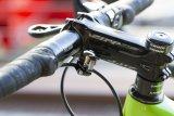 """Wenig Platz am Lenker? Die Firma Voxom bietet eine Fahrradklingel mit Namen """"Kl 18"""" an, die sich am Brems- oder Schaltzug montieren lässt."""