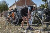 Beim Reiseradspezialisten Velotraum lässt sich ein Rad per Baukastensystem ganz nach eigenen Vorstellungen zusamenstellen. So ist es bestmöglich für das geplante Reisegebiet ausgestattet.