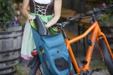In einer Radtasche mit speziellem Fach lässt sich der Akku bequem verstauen und ist zusätzlich geschützt.