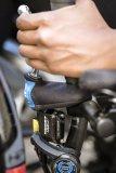 Bei mehrspurigen S-Pedelecs wie dem Liegedreirad ist eine Anzeige für den Füllstand der Bremsflüssigkeit verpflichtend.
