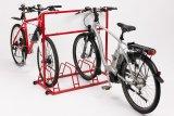 Um den Laufrädern sicheren Halt zu bieten, müssen die Haltebügel hoch genug sein. Bei modernen Abstellanlagen wird das natürlich bedacht.