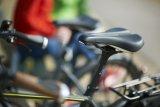 """Speziell auf die weibliche Anatomie ist der Stadt- und Tourenradsattel """"SC Core Prime Women"""" von Hersteller Ergon zugeschnitten. Wichtig ist dabei die richtige Größe, die sich über den Sitzknochenabstand ermitteln lässt."""