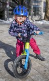 """Auch ein Laufrad für die ganz Kleinen kann es schon in sich haben. Das """"Trail Balance 12"""" von Cannondale zum Beispiel hat eine einseitige sogenannte Lefty-Gabel - ganz wie die großen Mountainbikes der Marke. Allerdings ungefedert."""