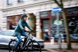 """Die meisten E-Bikes werden immer noch für die alltägliche Nutzung in der Stadt angeschafft. Nicht nur Einsteiger sollten auf solide Qualität bei Motor und Fahrradkomponenten achten (Modell """"Yucatan 8"""" von Winora)."""