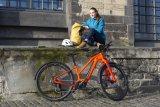 Wenn Fahrrad und Zubehör zum Einsatzzweck passen muss für den Fahrspaß nicht einmal die Sonne scheinen. Aber netter ist es schon...