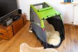 So wird der Hänger zum Lieblingsplätzchen des Hundes: Fahrgastzelle in den Wohnraum integrieren und mit der Hundedecke zum Kuschelplatz machen.