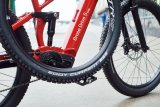 """Speziell für E-Mountainbikes entwickelte Reifenspezialist Schwalbe den """"Eddy Current"""". Neue Gummimischung, mehr Profil, gesteigerte Durchschlagssicherheit und die Möglichkeit, vorn und hinten unterschiedliche Reifengrößen zu fahren sind seine besonderen Merkmale."""