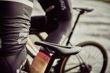Viele Fahrradsättel habe eine Rinne, die für Druckentlastung am empfindlichen Dammbereich sorgt.