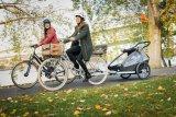 """Für Kinder, für Lasten, für Hunde: Ein faltbarer Anhänger ist eine großartige Erweiterung der Möglichkeiten eines Fahrrads. Dieser lässt sich auch als Jogger nutzen (""""Kid Keeke"""" von Croozer)."""