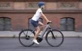 """Das Modell """"Roadster"""" von Riese und Müller ist ein beliebtes Citybike, klar in den Linien und wendig im Fahrverhalten. Nun kommt es mit 625-Wh-Akku und Bosch-CX-Mittelmotor."""