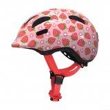 Ganz wichtig bei Fahrradhelmen (nicht nur) für Kinder ist die gute Einstellbarkeit von Sitz und Passform. Wenn der Helm so passt, dass er kaum zu spüren ist und dann auch noch chic aussieht, wird er auch gern aufgesetzt.