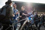 Unter Fußballfans wird das Thema E-Bike auch rege diskutiert.