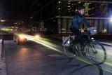 Reflexmaterial ist ein großer Sicherheitsgewinn im Straßenverkehr.