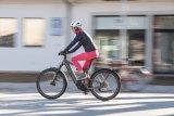 """Auch ein E-Bike muss gut passen: zum Nutzungsprofil, zu den Verkehrs- und Fahrbedingungen, zu den körperlichen Gegebenheiten von Nutzerin oder Nutzer. """"One bike fits all"""" gibt es nicht."""