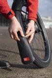 Eine Schutzblechverlängerung aus weichem Material ist ein idealer Spritzschutz.